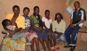 Thimoté et sa famille d'accueil