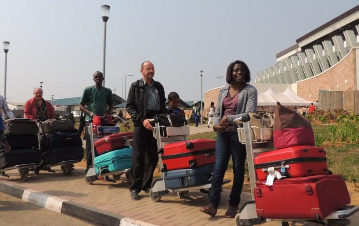 Partis d'Amsterdam avec le vol  KLM du 6 juillet 2014 à 21h25, nous sommes arrivés à l'aéroport international de Kigali à le 07 juillet 2014 à 9h du matin.